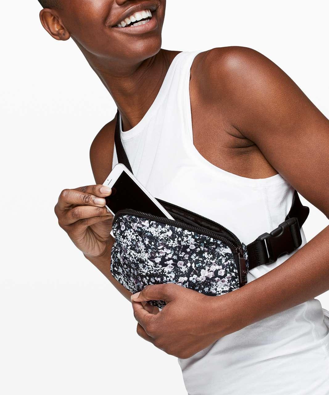 Lululemon Everywhere Belt Bag *1L - Floral Spritz Multi