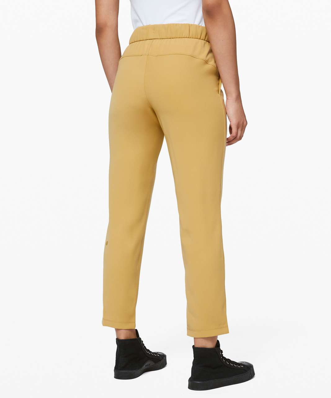 Lululemon On the Fly 7/8 Pant *Woven - Vintage Gold