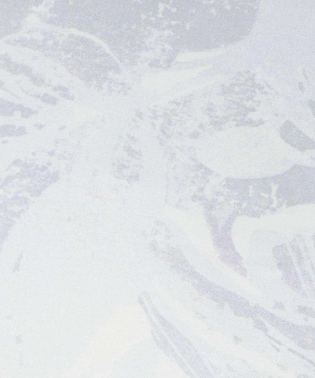 "Lululemon Hotty Hot Short II *Long 4"" - Mini Tropical Shadow Starlight Multi / Starlight"
