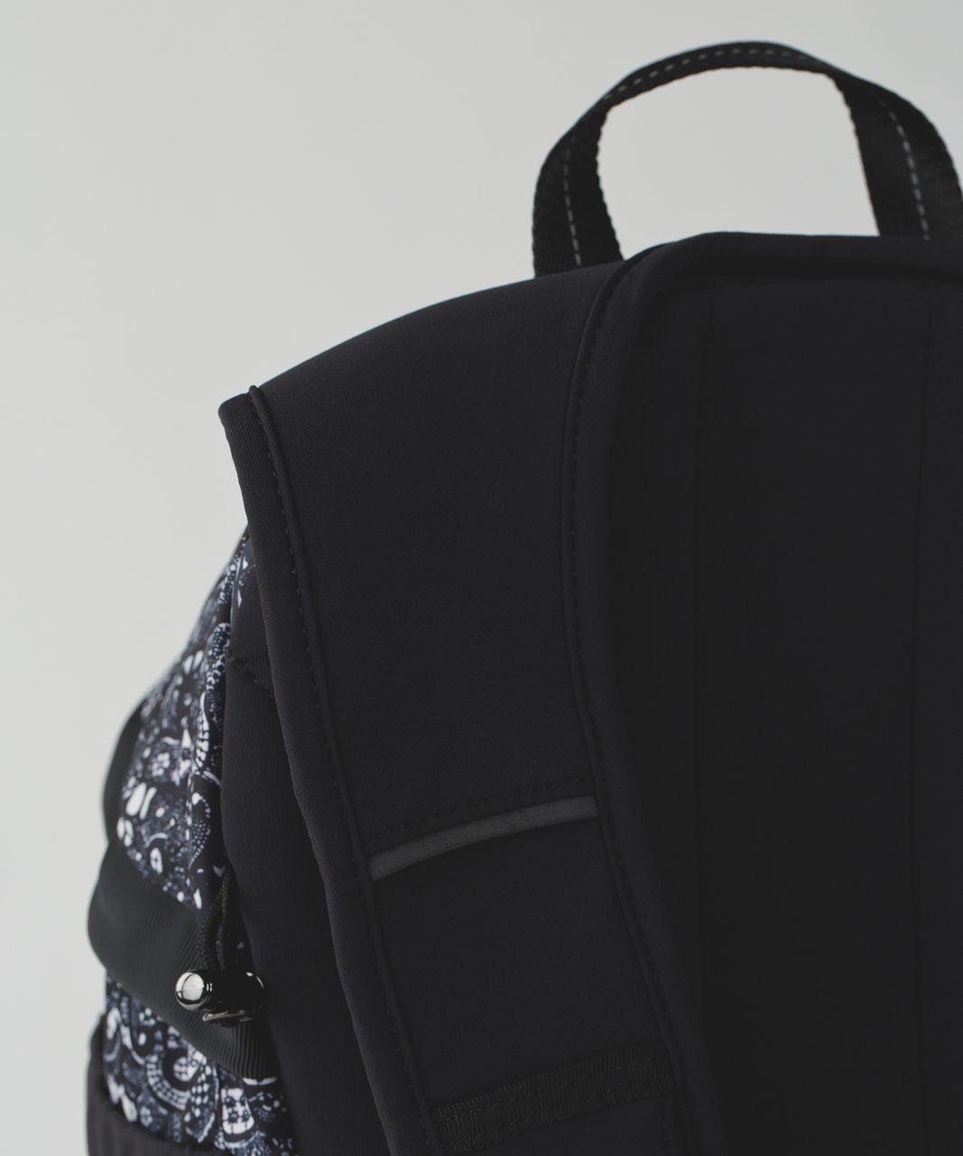 Lululemon Run All Day Backpack - Pretty Lace White Black / Black
