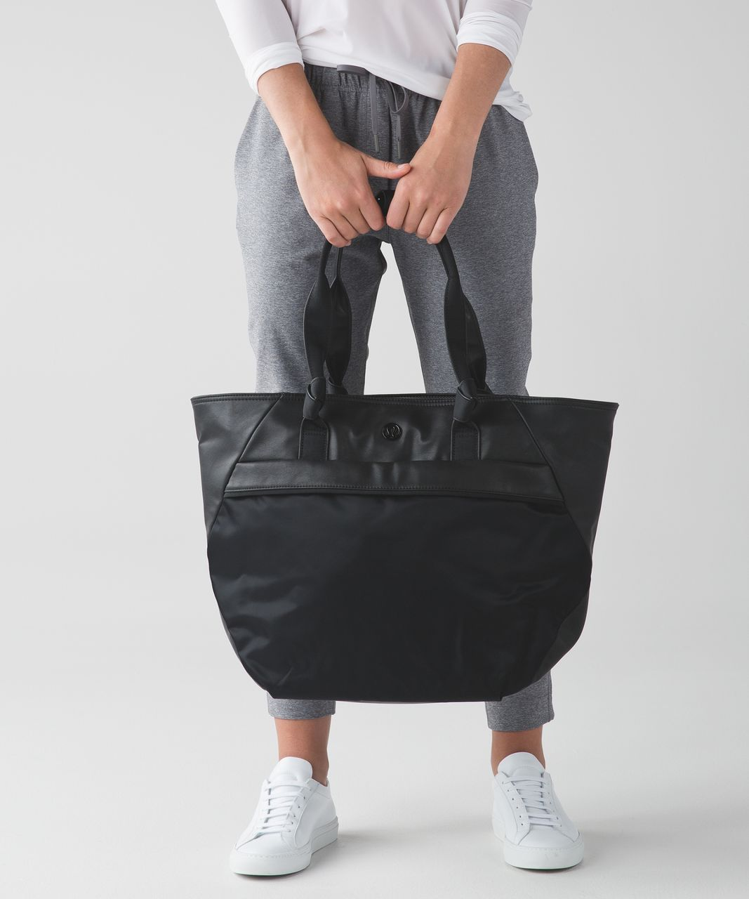 24ff4c641d Lululemon Everything Bag - Black - lulu fanatics