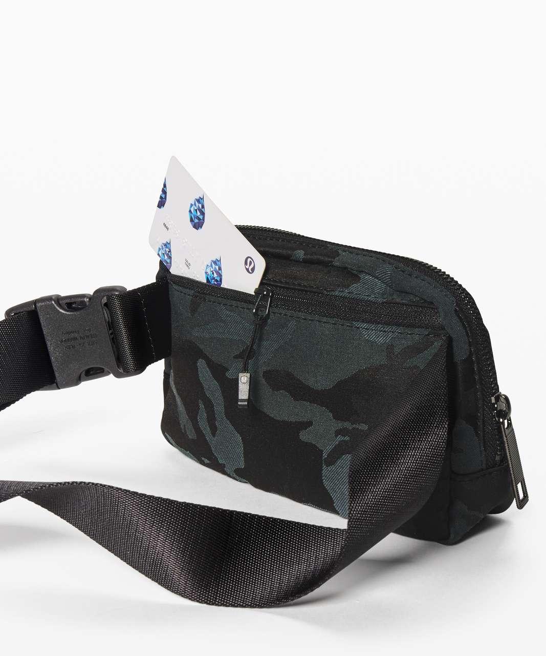 Lululemon Everywhere Belt Bag *1L - Jacquard Camo Cotton Obsidian / Black