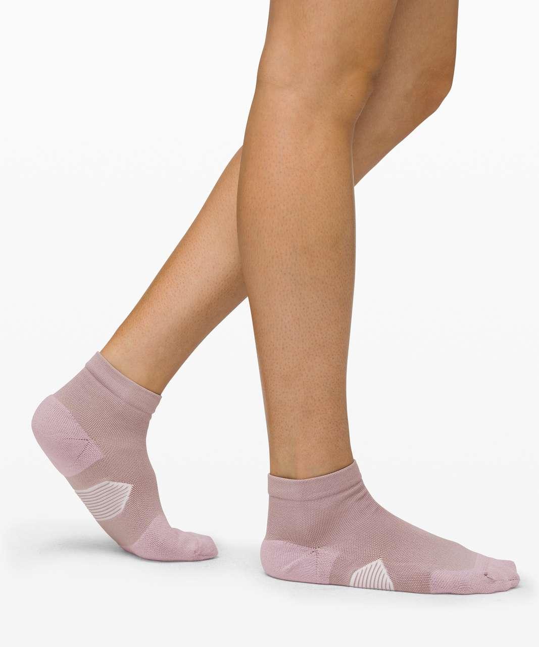 Lululemon Speed Ankle Sock *Silver - Smoky Blush / White