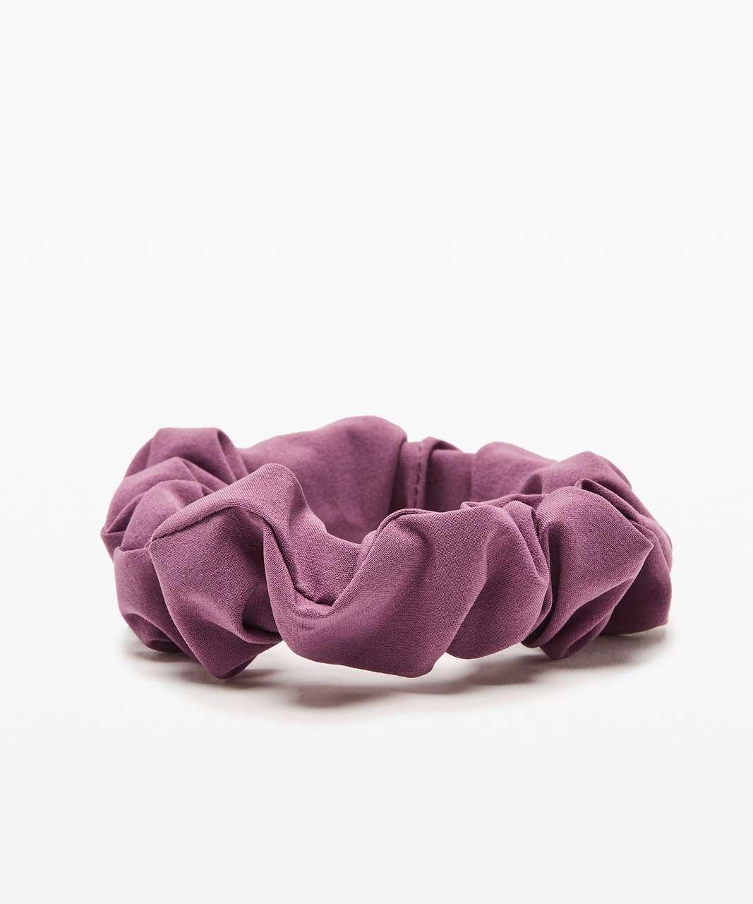 Lululemon Uplifting Scrunchie - Plumful