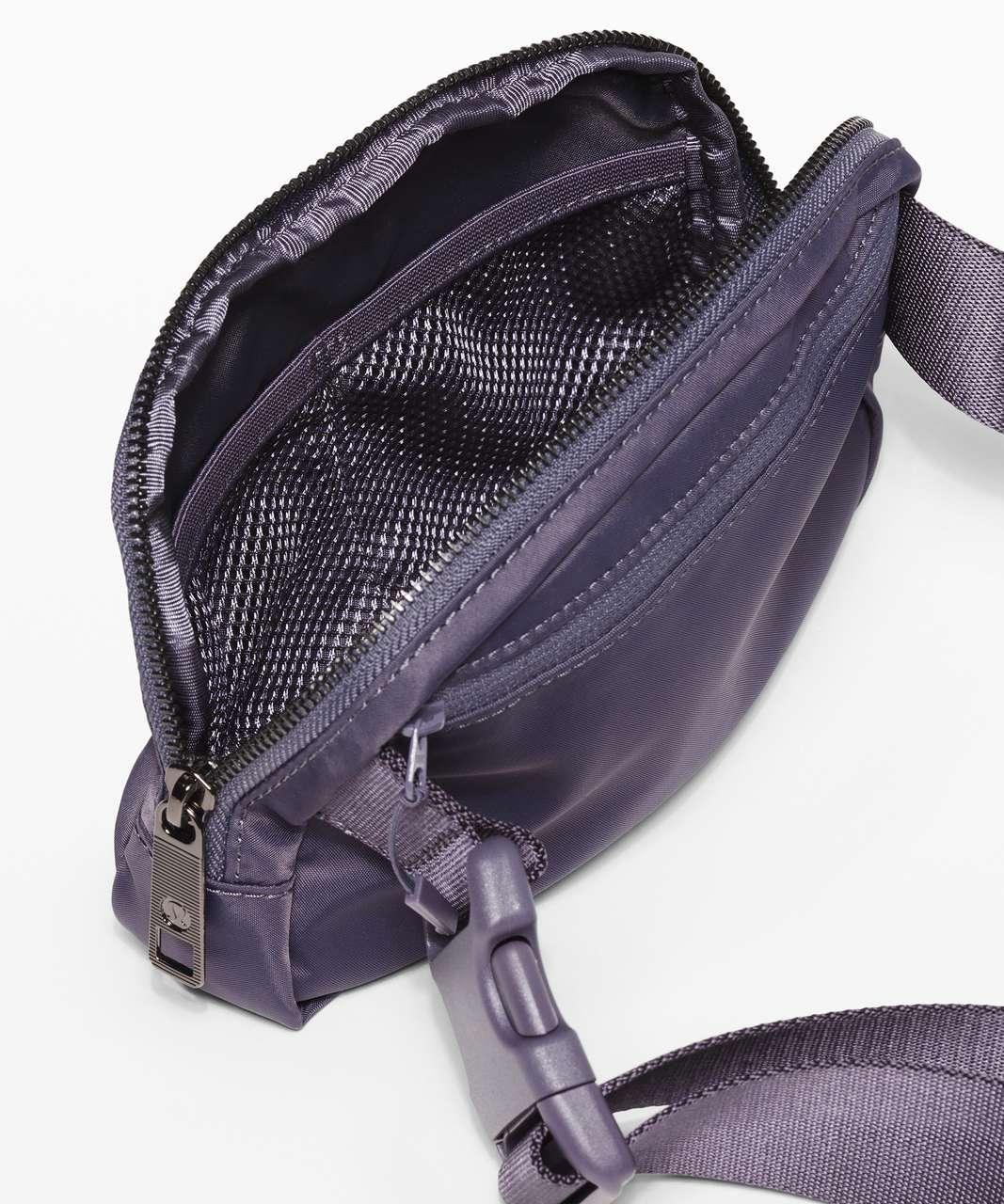 Lululemon Everywhere Belt Bag *1L - Moonwalk