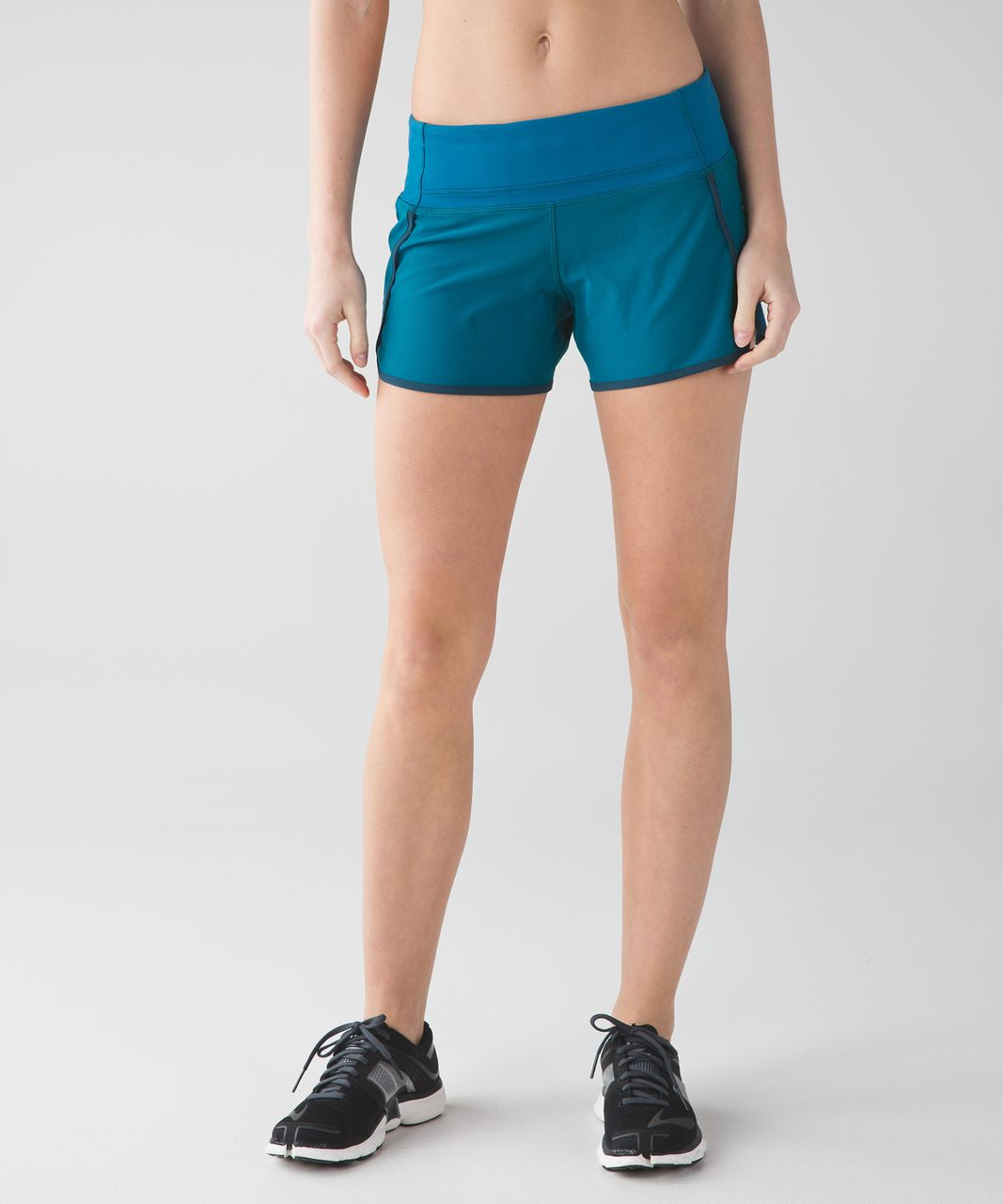Lululemon Run Times Short (4-way Stretch) - Tofino Teal / Alberta Lake