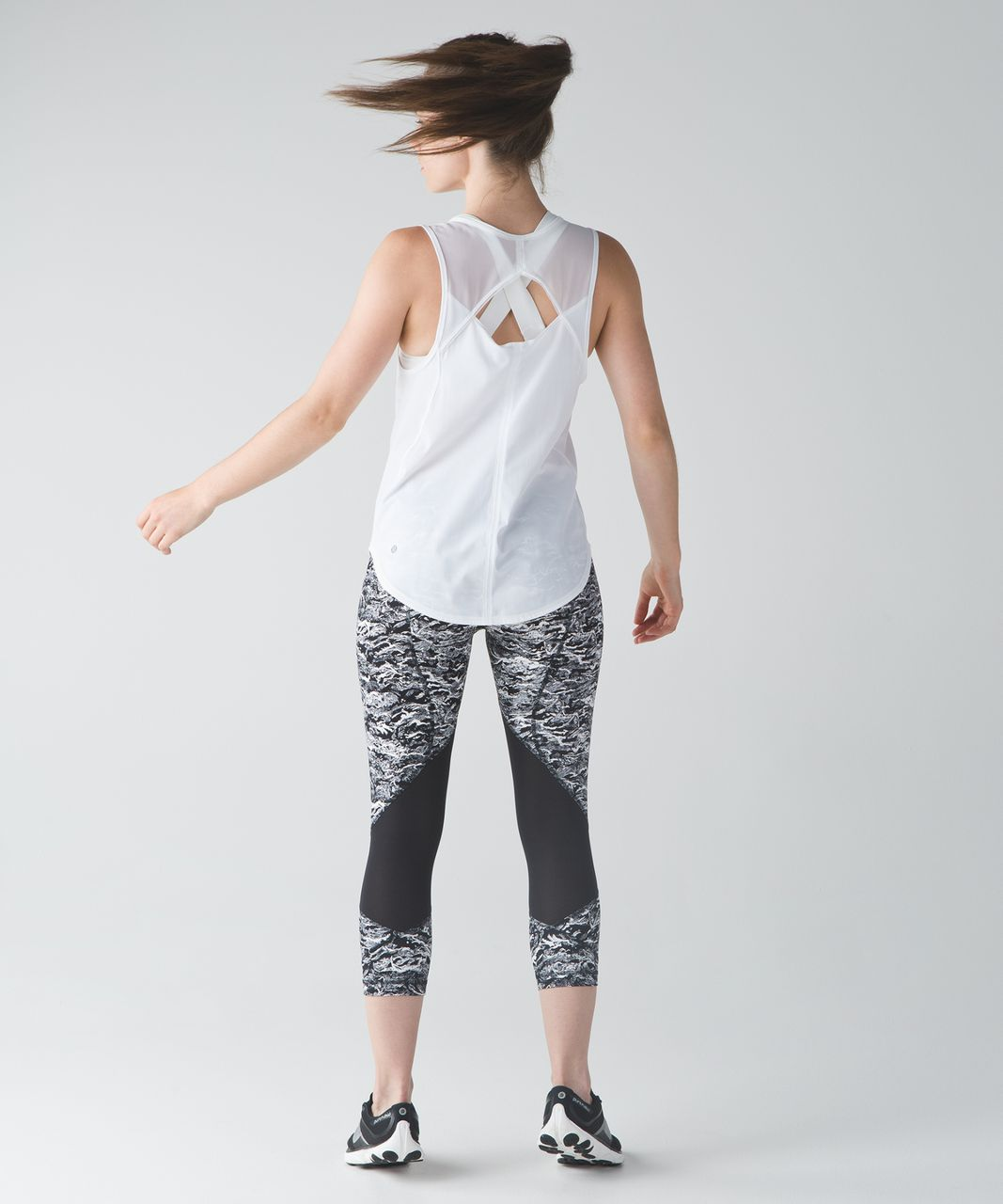 Lululemon Pace Rival Crop - Nami Wave White Black
