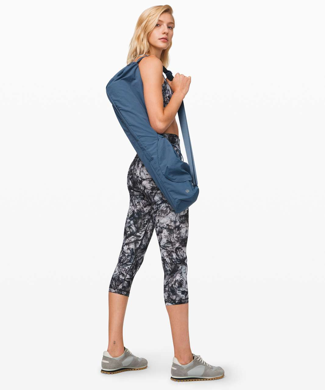 Lululemon The Yoga Mat Bag *16L - Code Blue