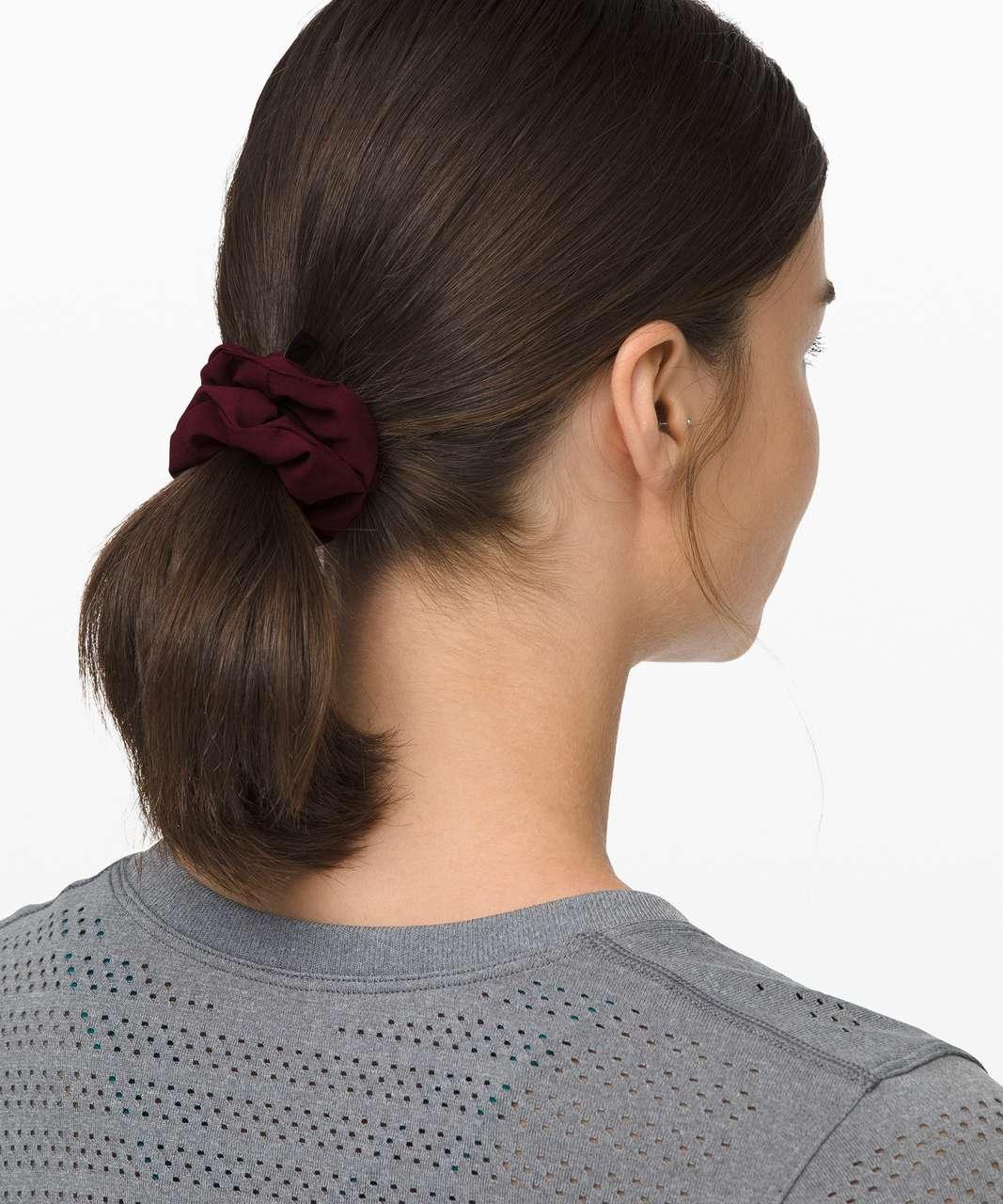 Lululemon Uplifting Scrunchie - Garnet