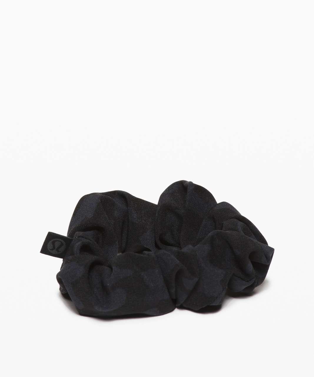 Lululemon Uplifting Scrunchie - Formation Camo Deep Coal Multi