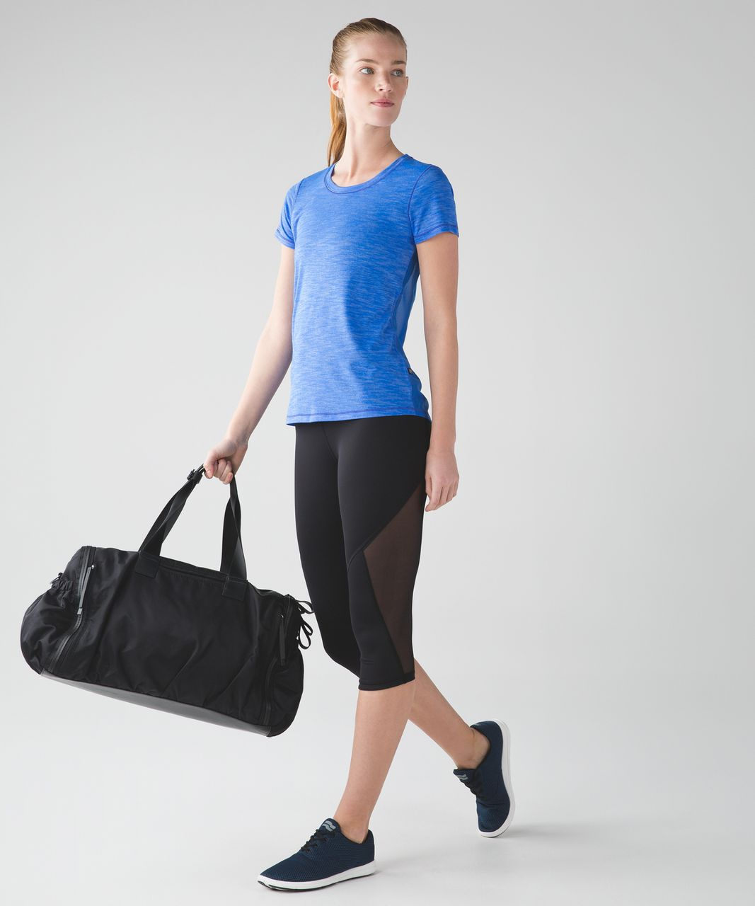 Lululemon Beat The Heat Short Sleeve - Heathered Pipe Dream Blue / Pipe Dream Blue