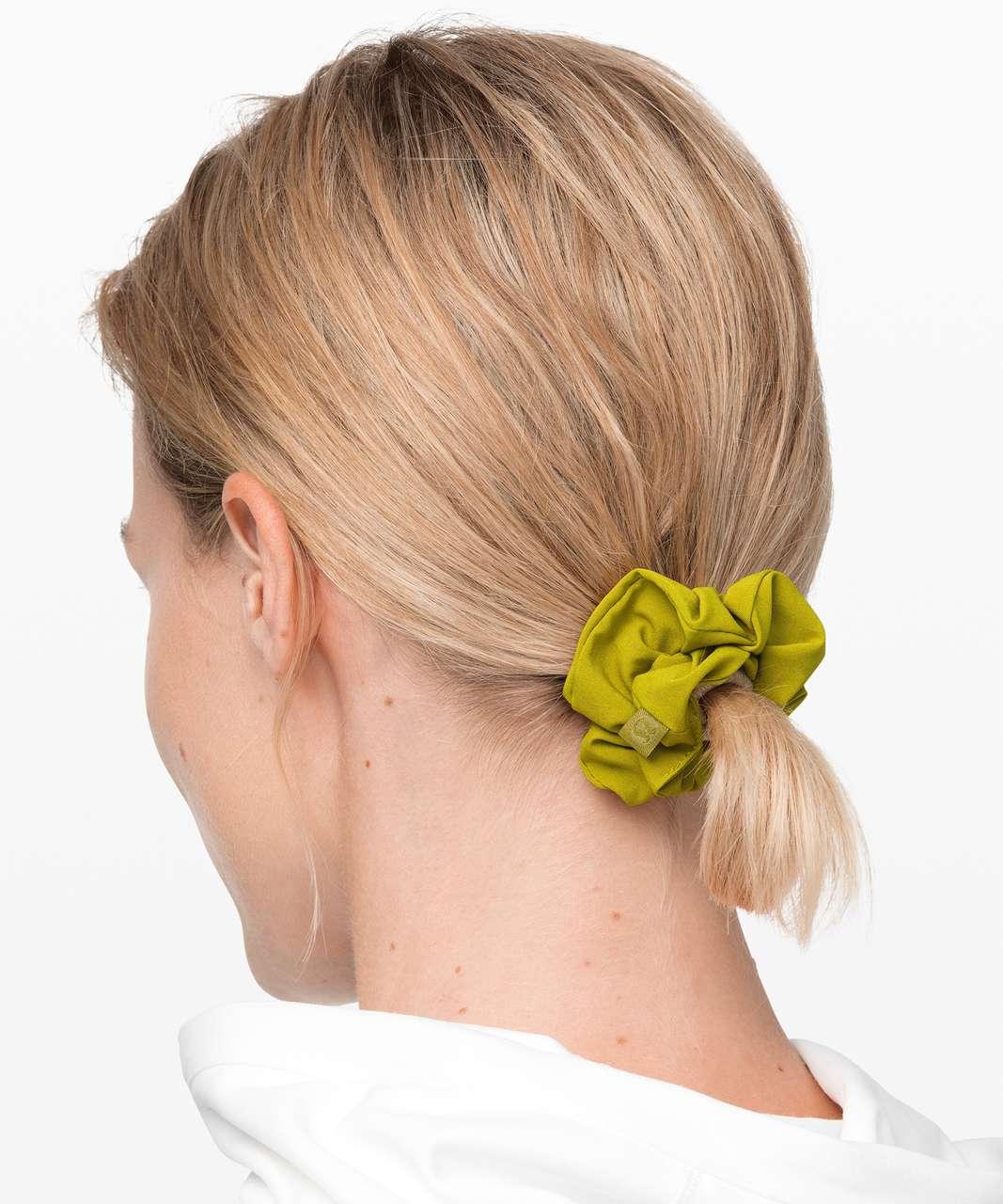 Lululemon Uplifting Scrunchie - Golden Lime