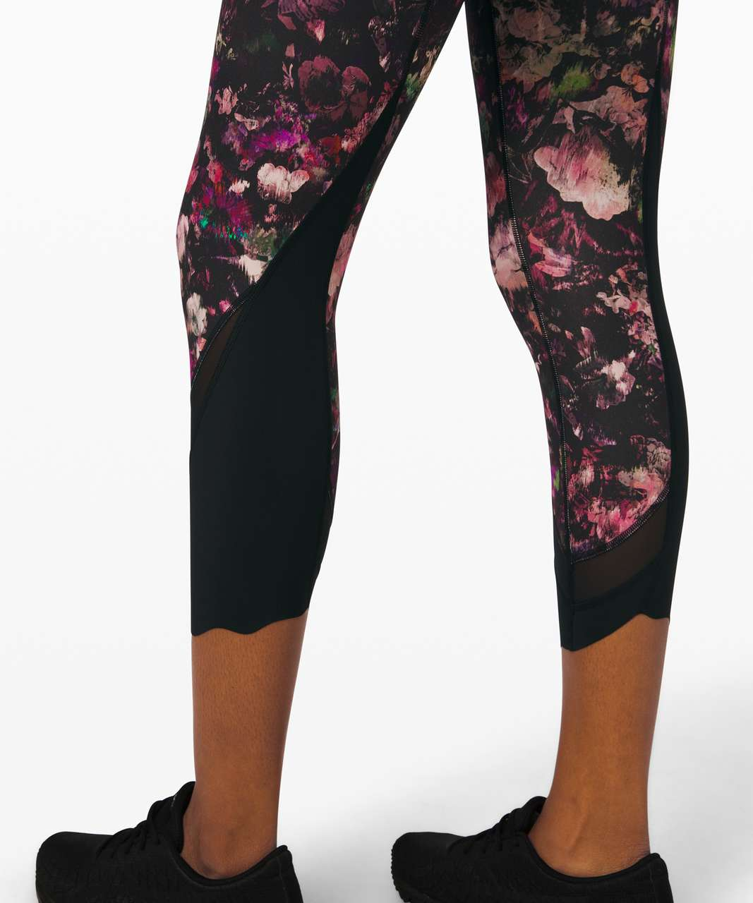 "Lululemon Wunder Under Crop High-Rise *Roll Down Scallop Full-On Luxtreme 24"" - Floral Illusion Antique White Multi / Black"