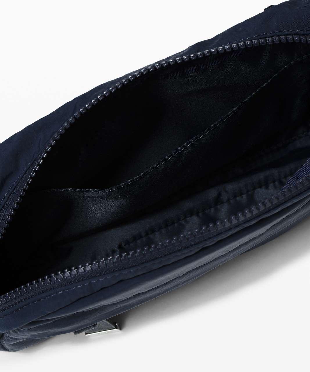 Lululemon On The Beat Belt Bag *4.5L - True Navy