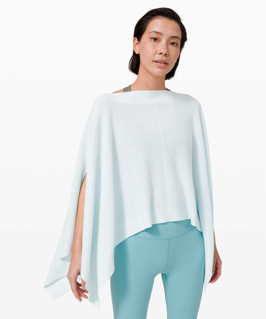Lululemon Forward Flow Poncho - Almost Blue