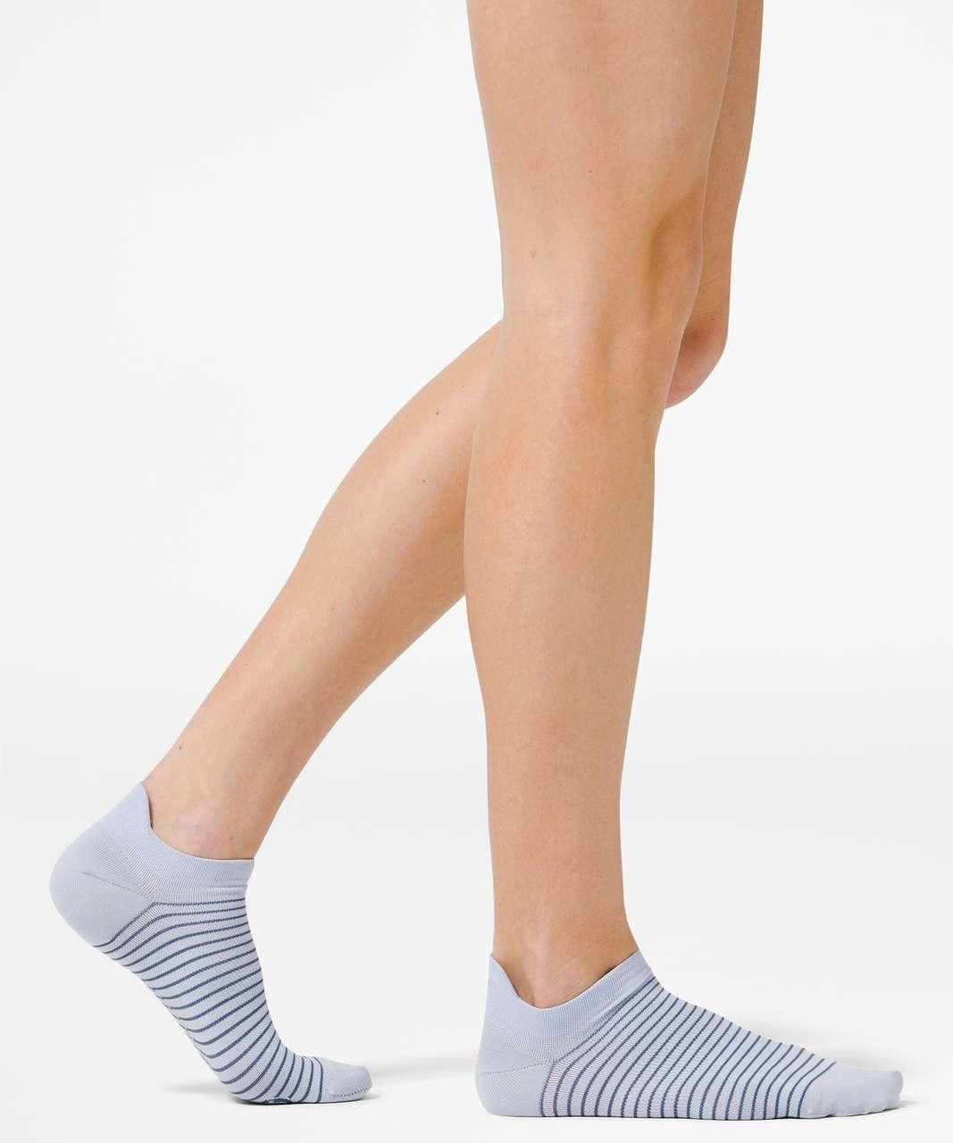 Lululemon Light Speed Sock *Silver - Daydream / Ink Blue