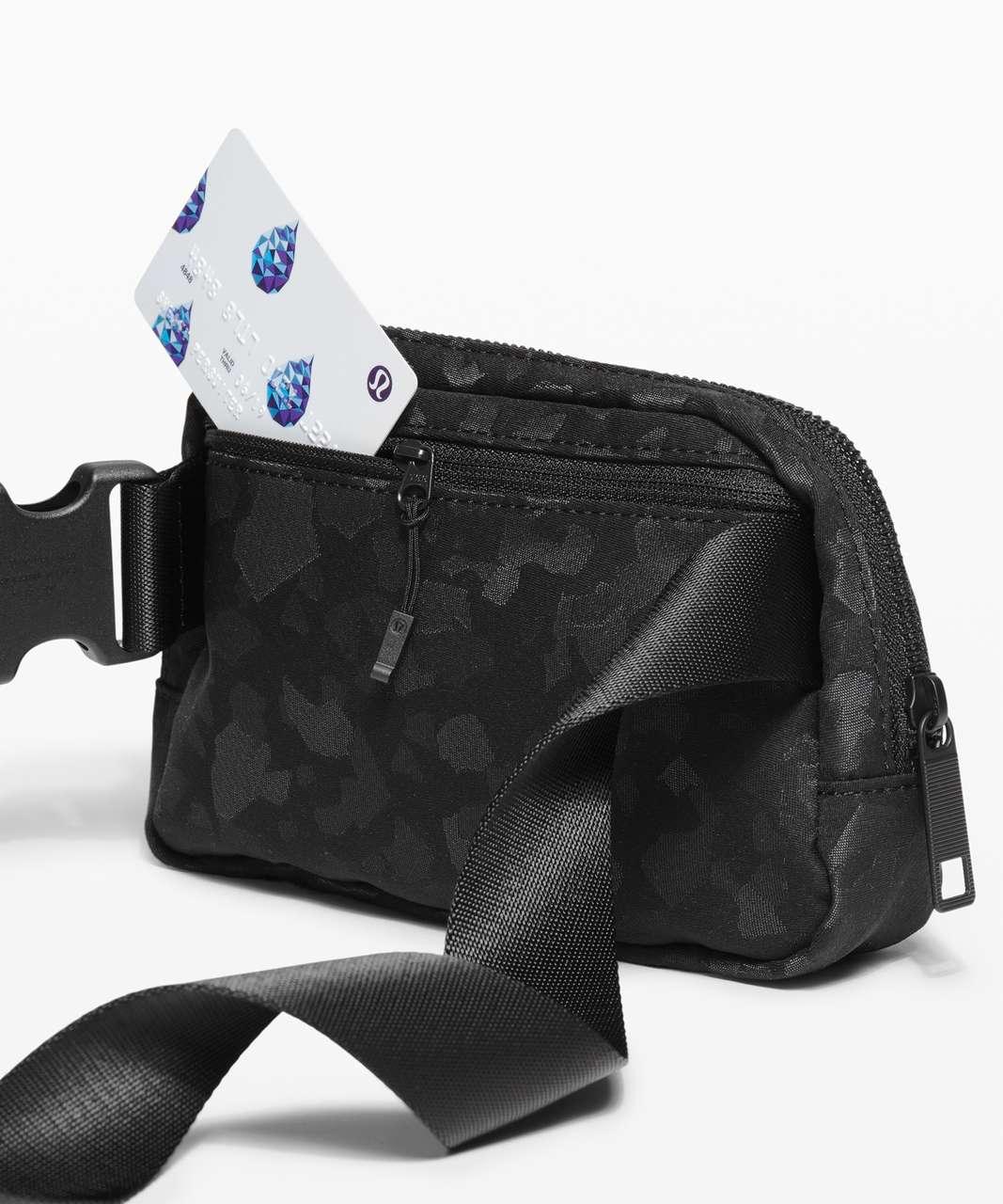 Lululemon Everywhere Belt Bag *1L - Fragment Camo Jacquard Black Deep Coal