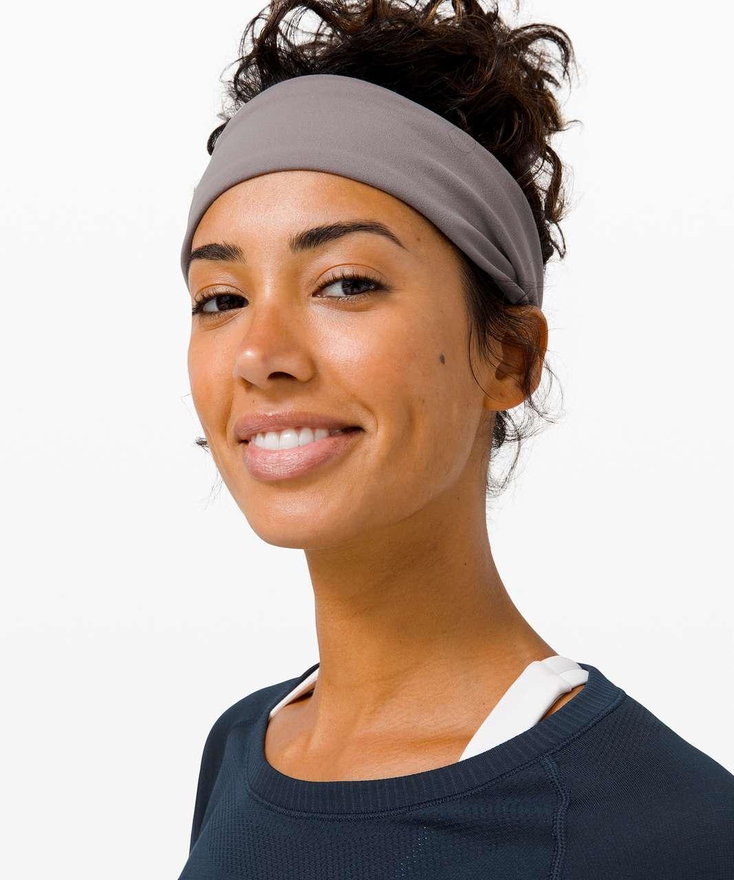 Lululemon Fringe Fighter Headband - Pixel Jacquard Alpine White Mink Berry / Lunar Rock