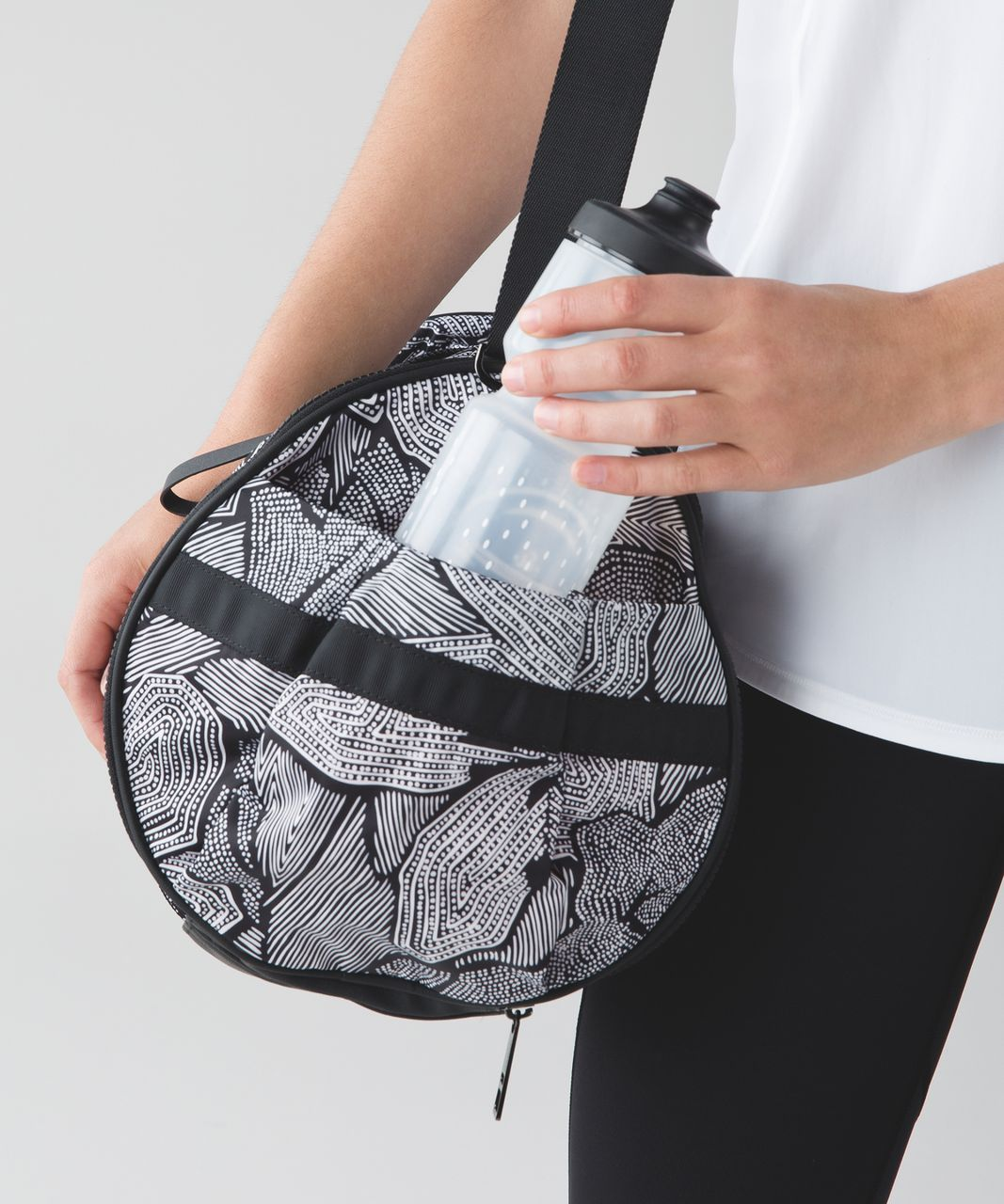 Lululemon Run Ways Duffel - Dottie Tribe White Black