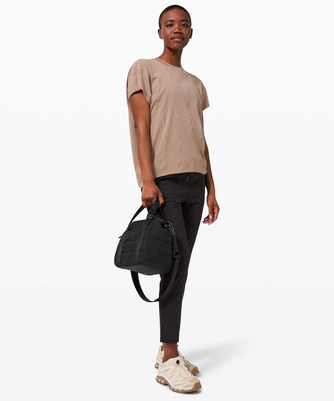Lululemon Dash All Day Bucket Bag *6.5L - Black (Second Release)