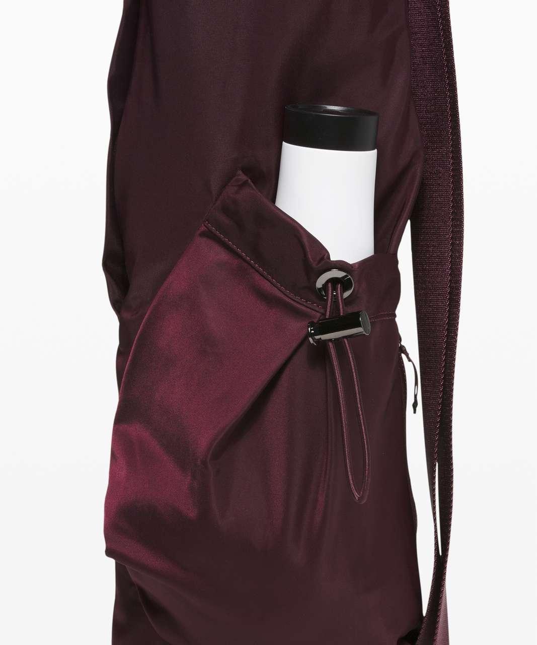 Lululemon The Yoga Mat Bag *16L - Cassis
