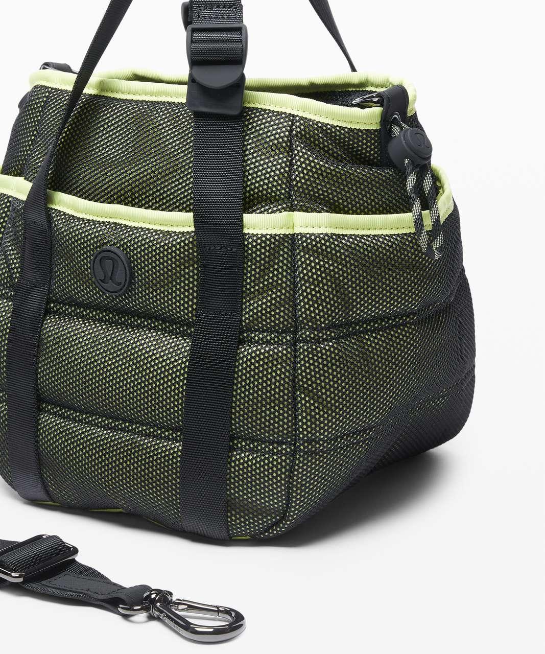 Lululemon Dash All Day Bucket Bag *6.5L - Black / Lemon Vibe