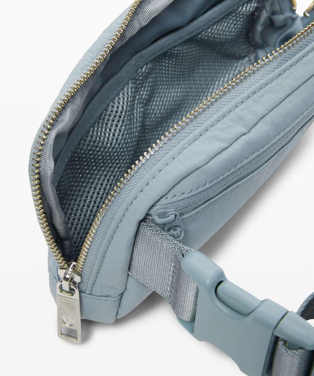 Lululemon Everywhere Belt Bag *1L - Blue Cast