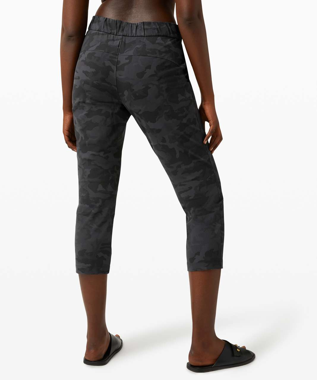 """Lululemon On the Fly Crop *23"""" - Incognito Camo Multi Grey"""