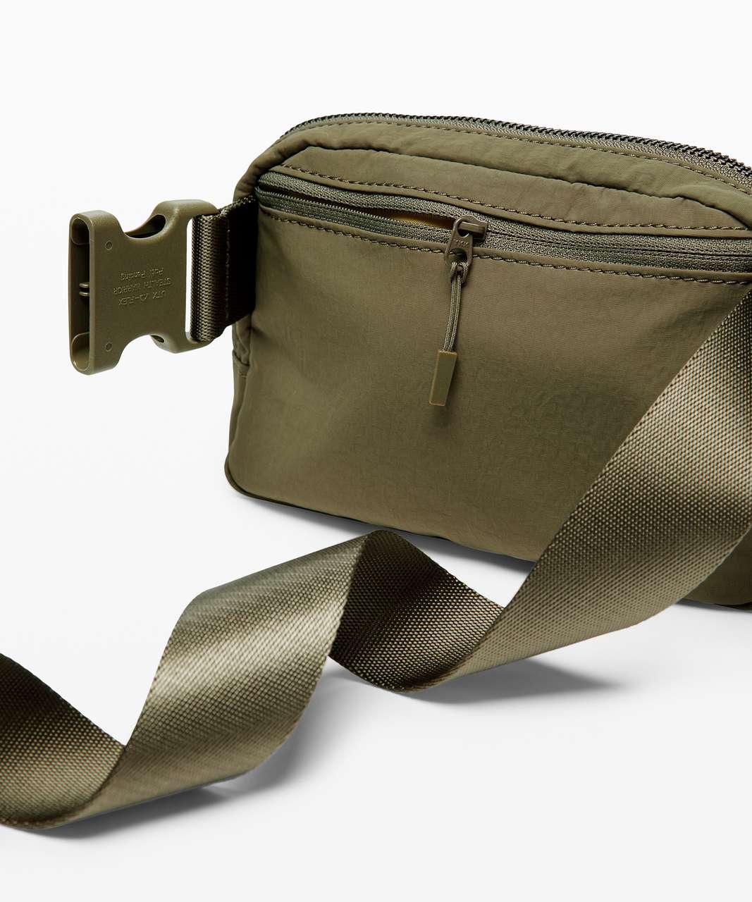 Lululemon Everywhere Belt Bag *1L - Medium Olive