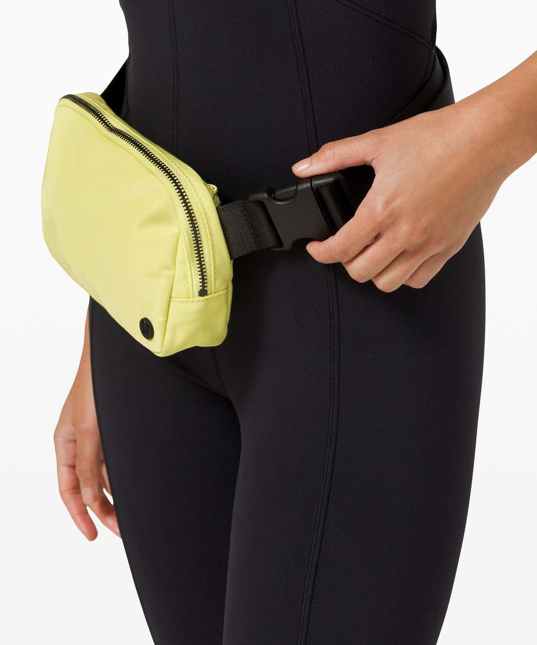 Lululemon Everywhere Belt Bag *1L - Lemon Vibe