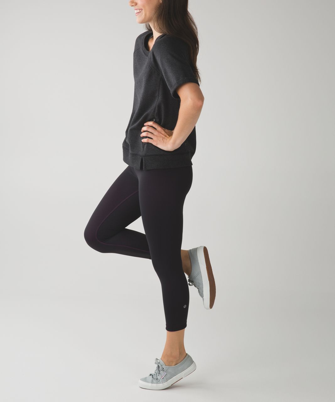 Lululemon Wunder Under Crop III (Reversible) - Black / Ultra Violet