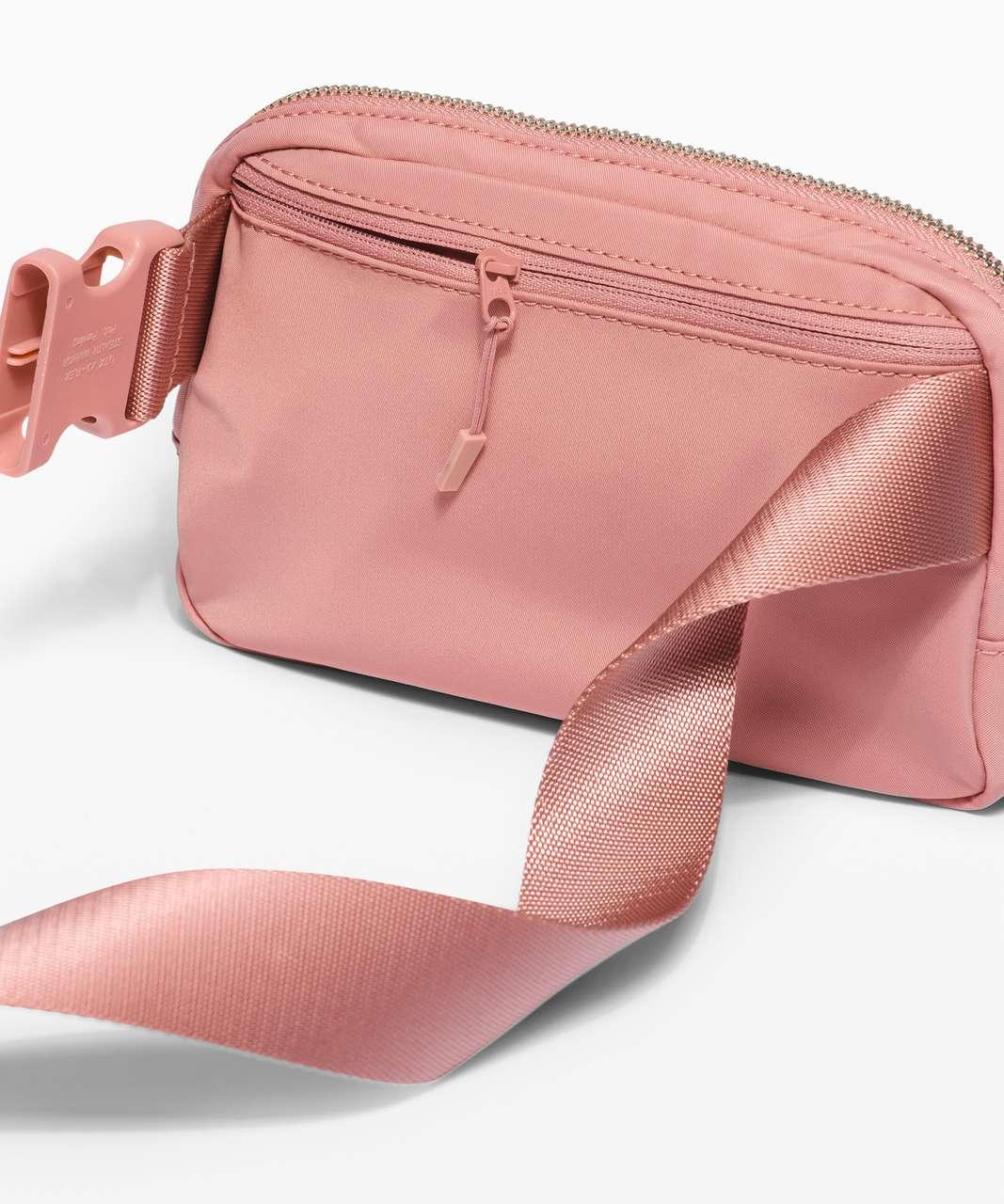 Lululemon Everywhere Belt Bag *1L - Pink Pastel