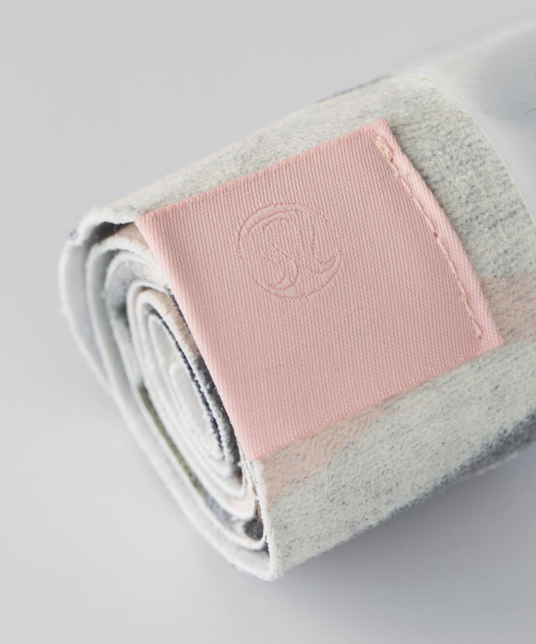 Lululemon The (Small) Towel - Coast Camo Butter Pink Multi