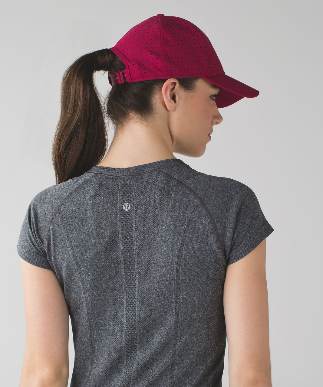 Lululemon Baller Hat (Perforated) - Berry Rumble / Berry Rumble