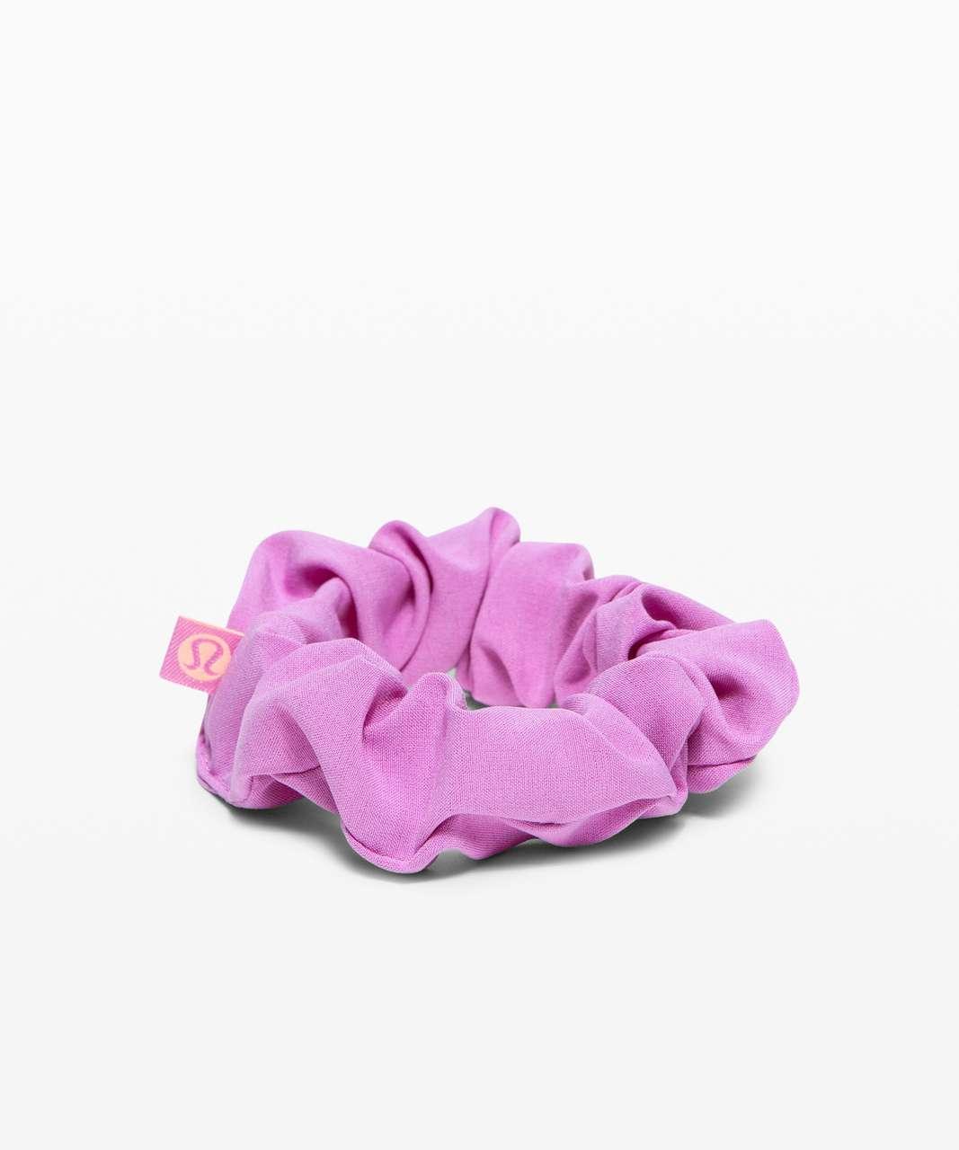 Lululemon Uplifting Scrunchie *SeaWheeze - Purple Blossom