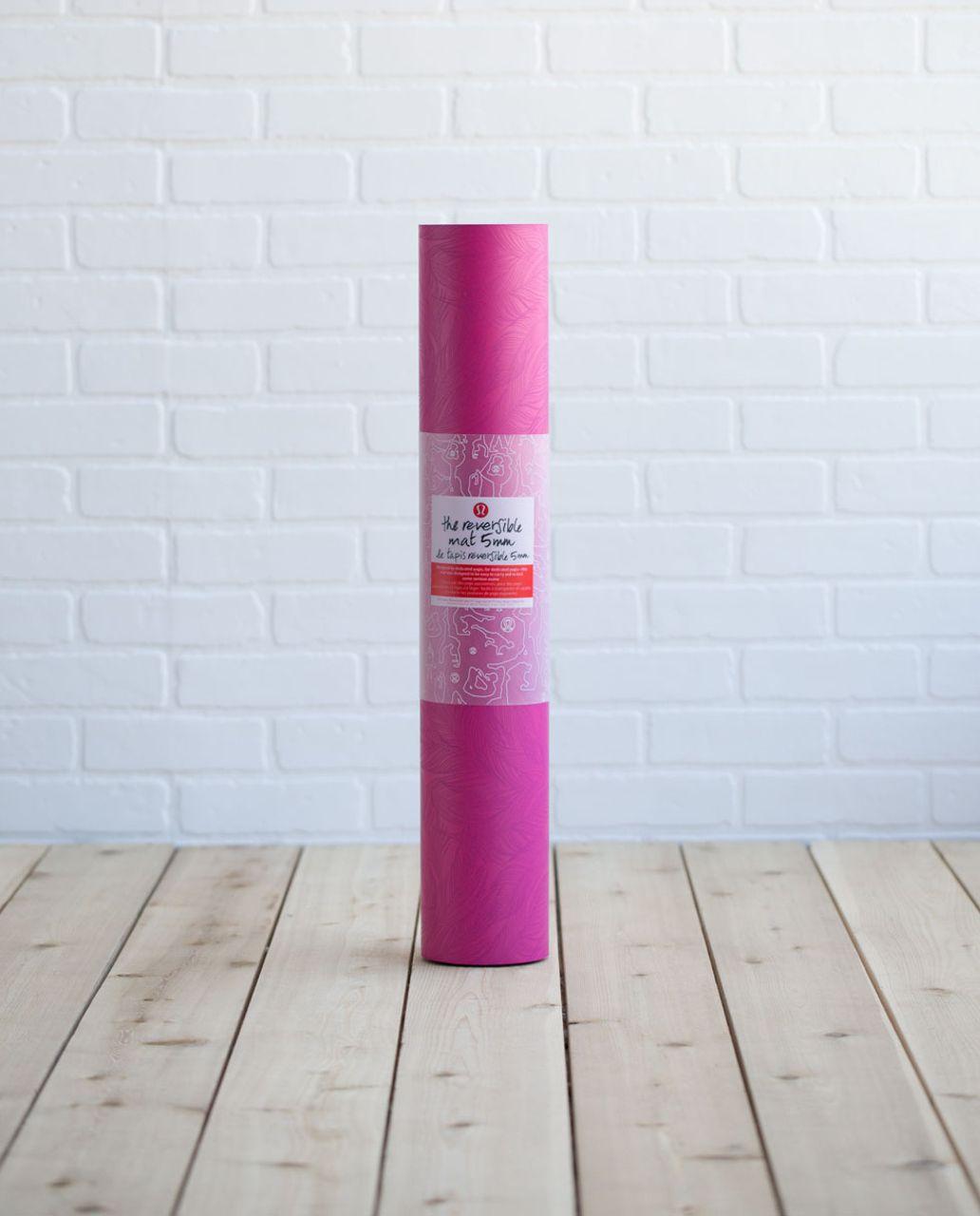 Lululemon The Reversible Mat 5mm - Sketchy Palm Jeweled Magenta Dashing Purple / Dashing Purple