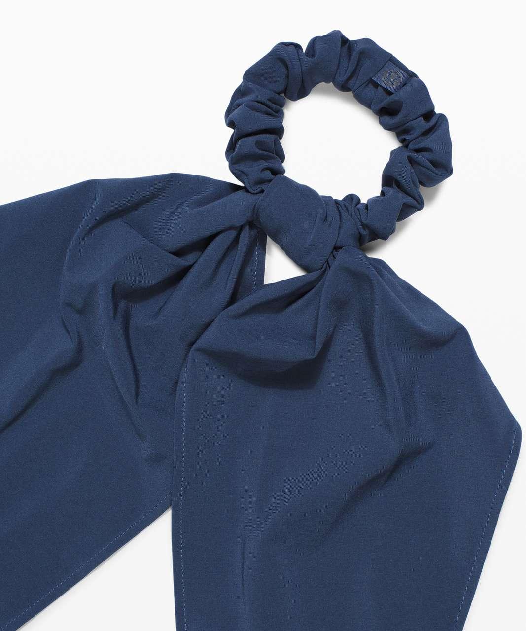 Lululemon Uplifting Scrunchie *Flow - Iron Blue