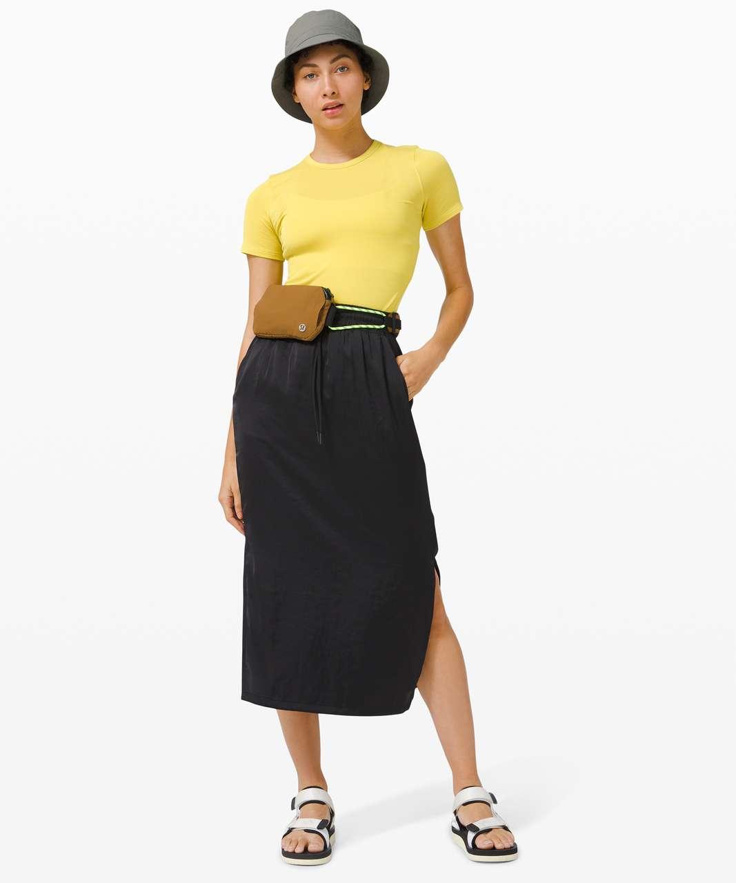 Lululemon Hold Tight Short Sleeve - Yellow Serpentine