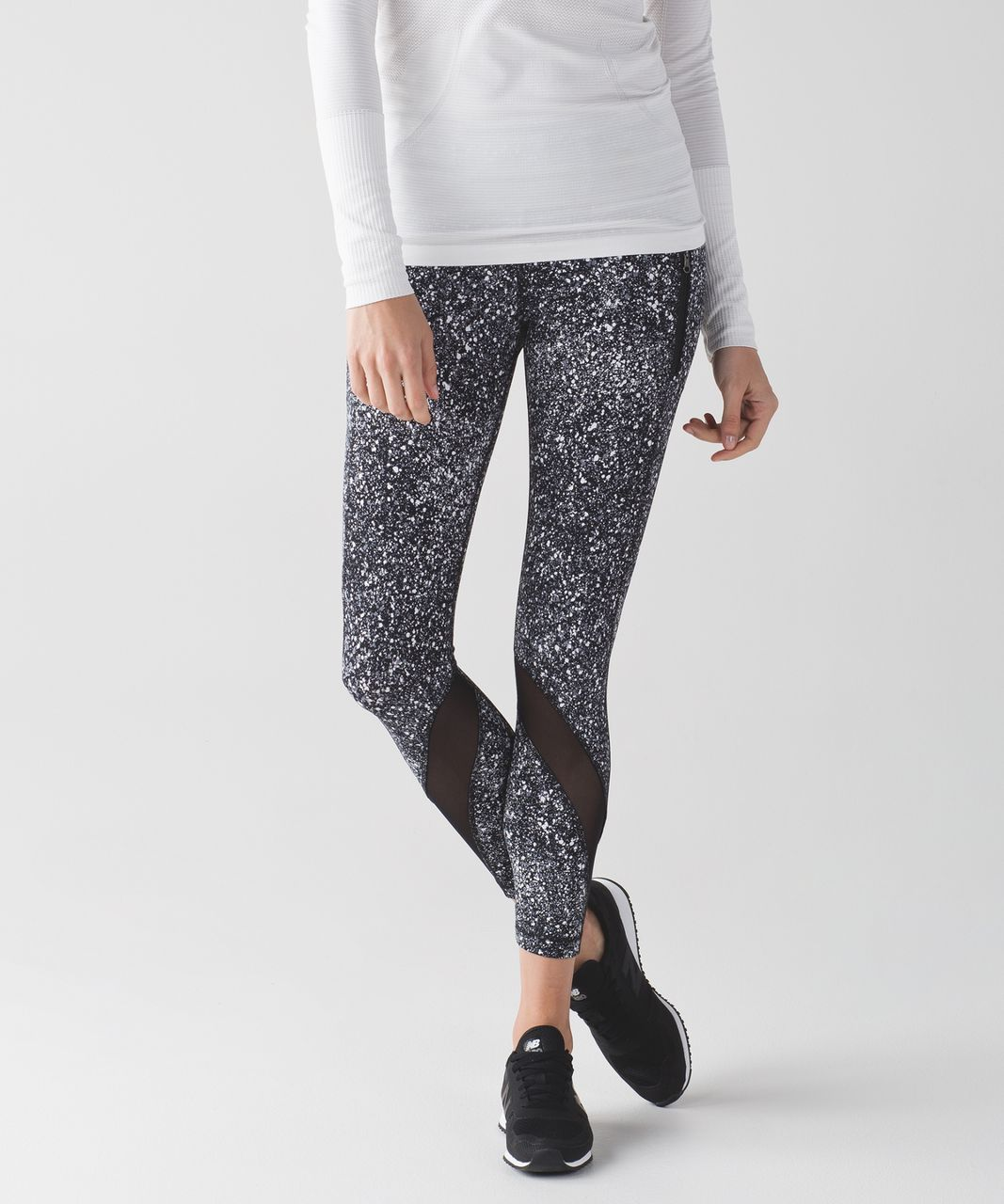 8b37fbb818 Lululemon Inspire Tight II - Splatter White Black / Black - lulu fanatics