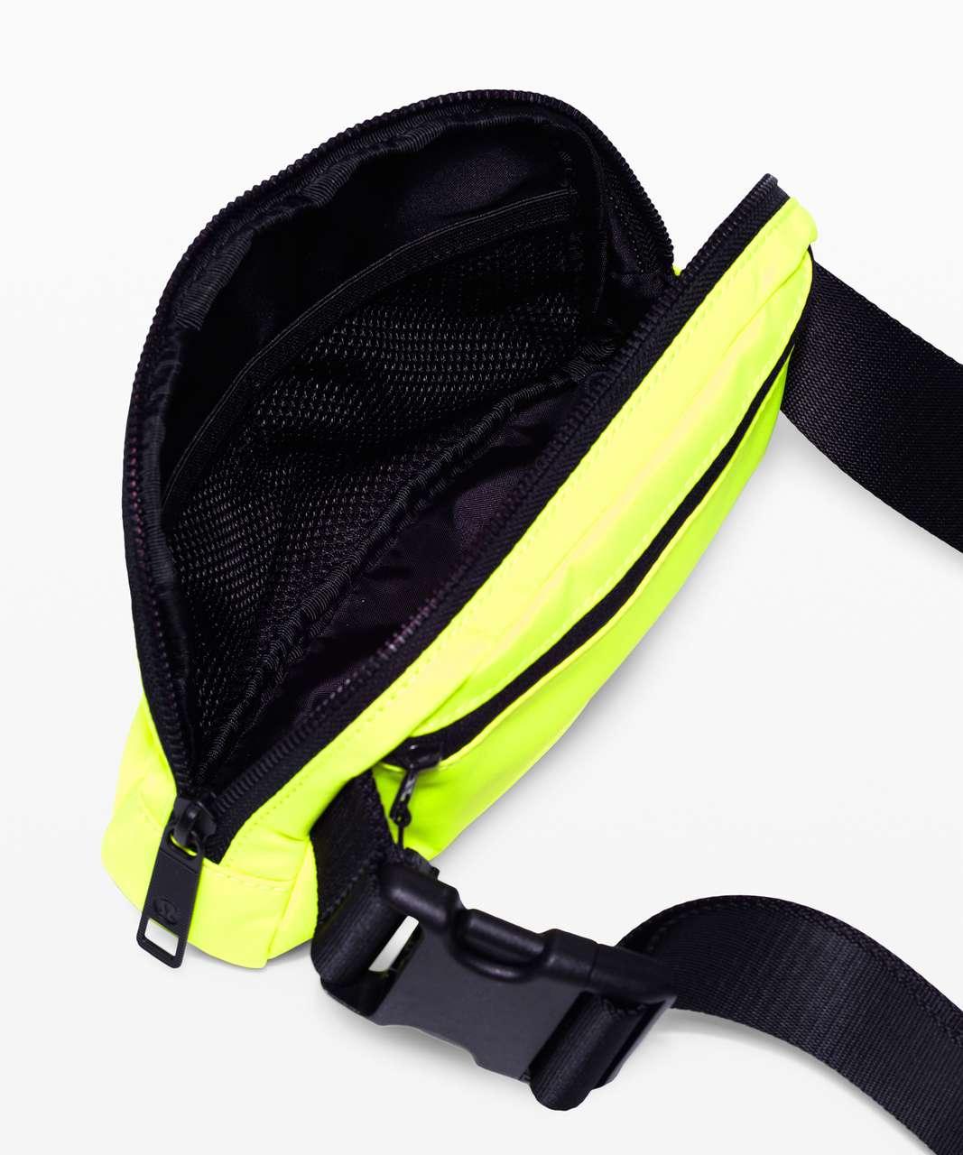 Lululemon Everywhere Belt Bag *1L - Highlight Yellow