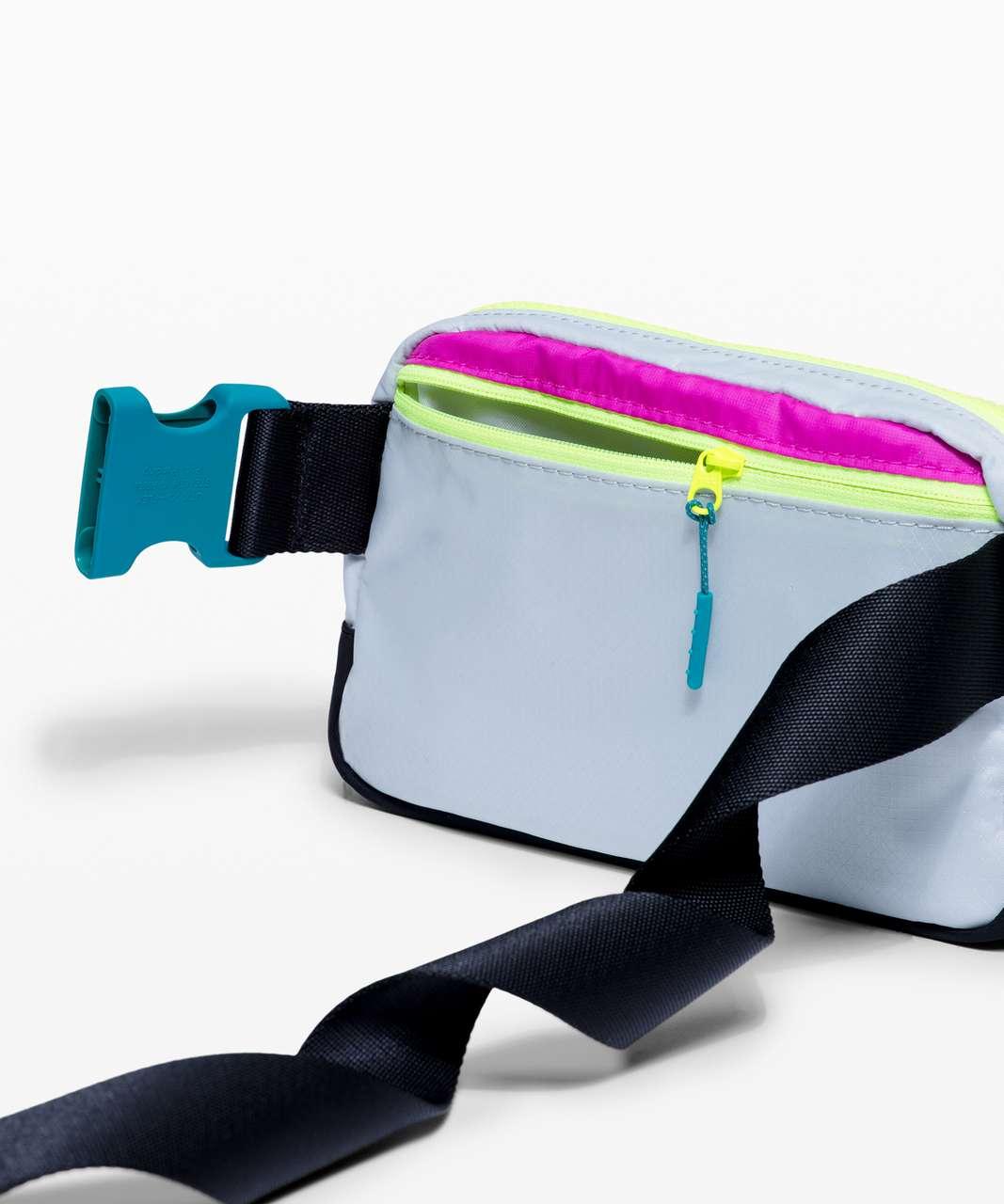 Lululemon Everywhere Belt Bag *1L - Highlight Purple / Vapor / Intense Teal