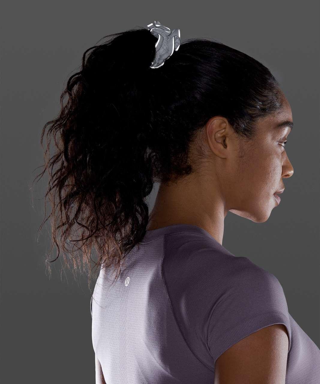 Lululemon Light Locks Scrunchie II - Poco Logo Foil White