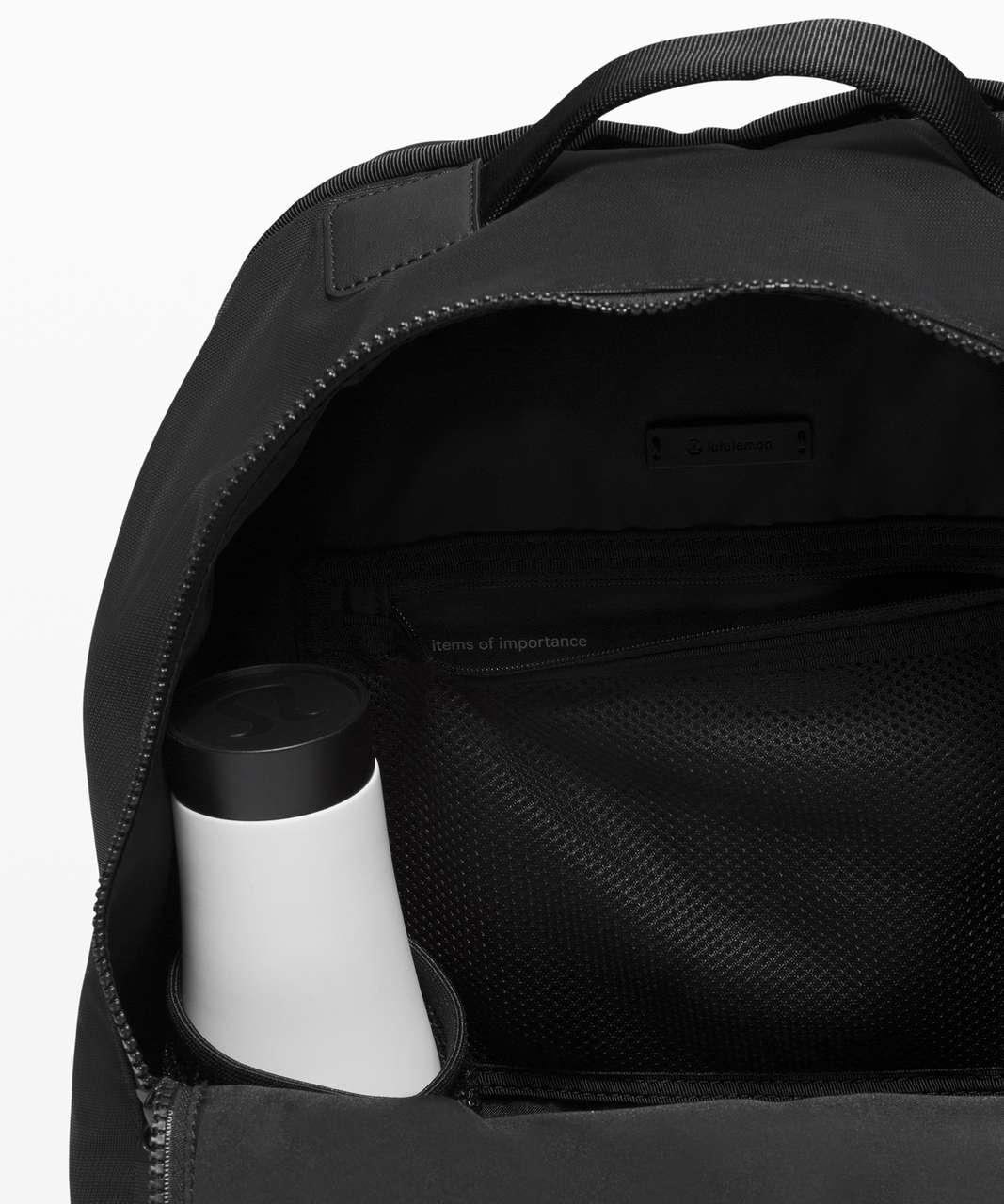 Lululemon City Adventurer Backpack Reflective *17L - Silver Reflective / Black