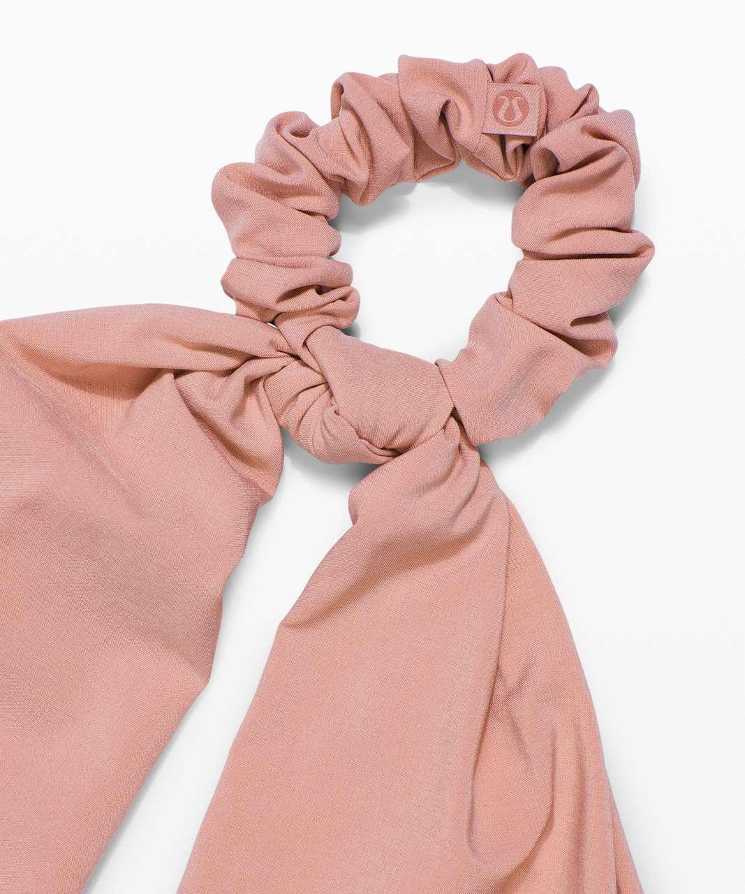 Lululemon Uplifting Scrunchie *Flow - Pink Pastel