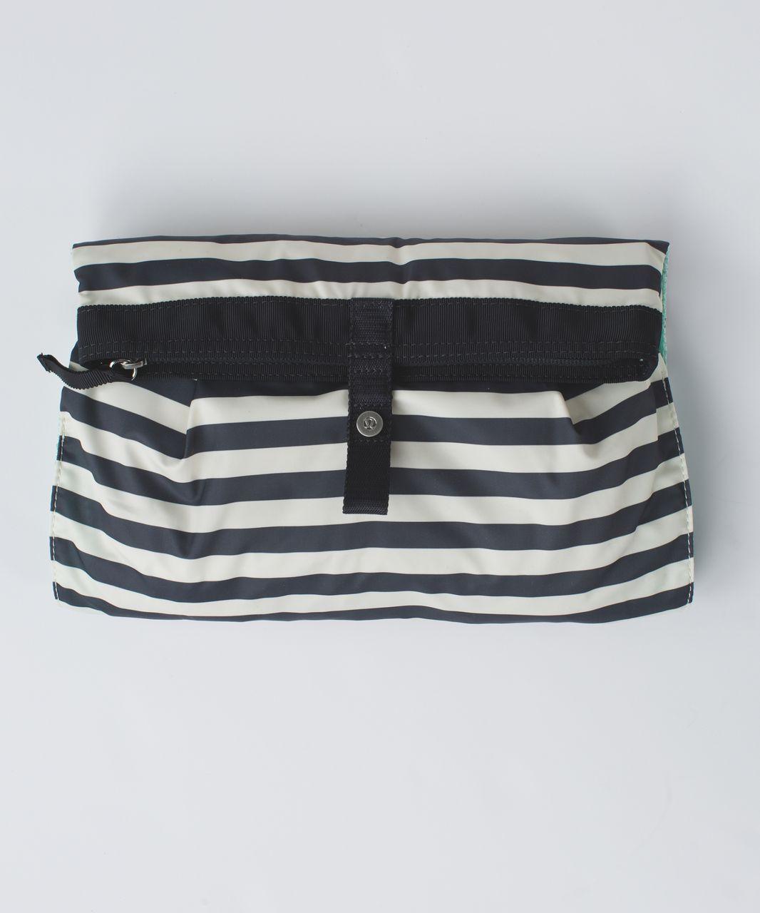 Lululemon Sweaty Or Not Kit - Apex Stripe Printed Angel Wing Dark Slate / Deep Coal / Sea Mist