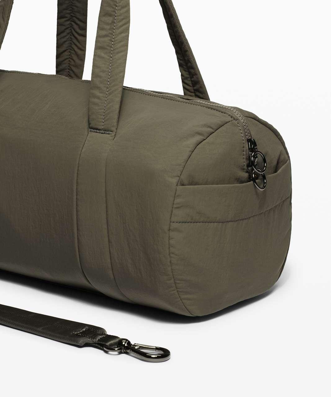 Lululemon On My Level Barrel Bag *16L - Army Green