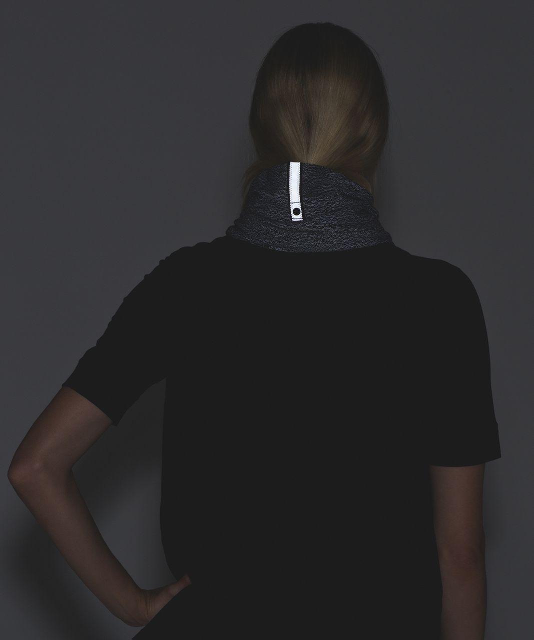 Lululemon Vinyasa Scarf *Rulu - Running Luon Spray Jacquard White Black / Black