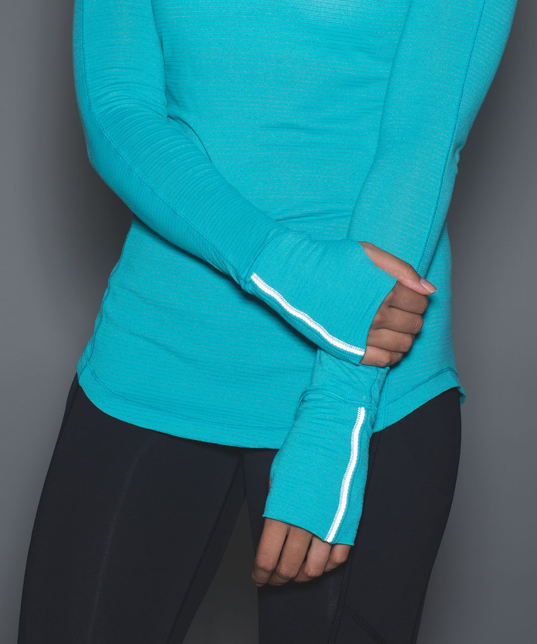 Lululemon 5 Mile Long Sleeve - Peacock Blue