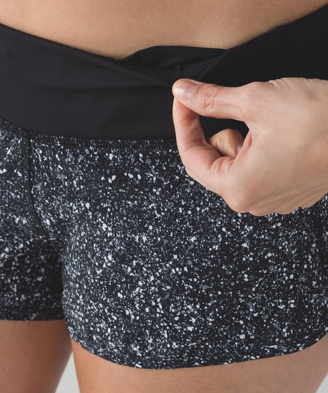 Lululemon Speed Short - Mini Splatter White Black / Black