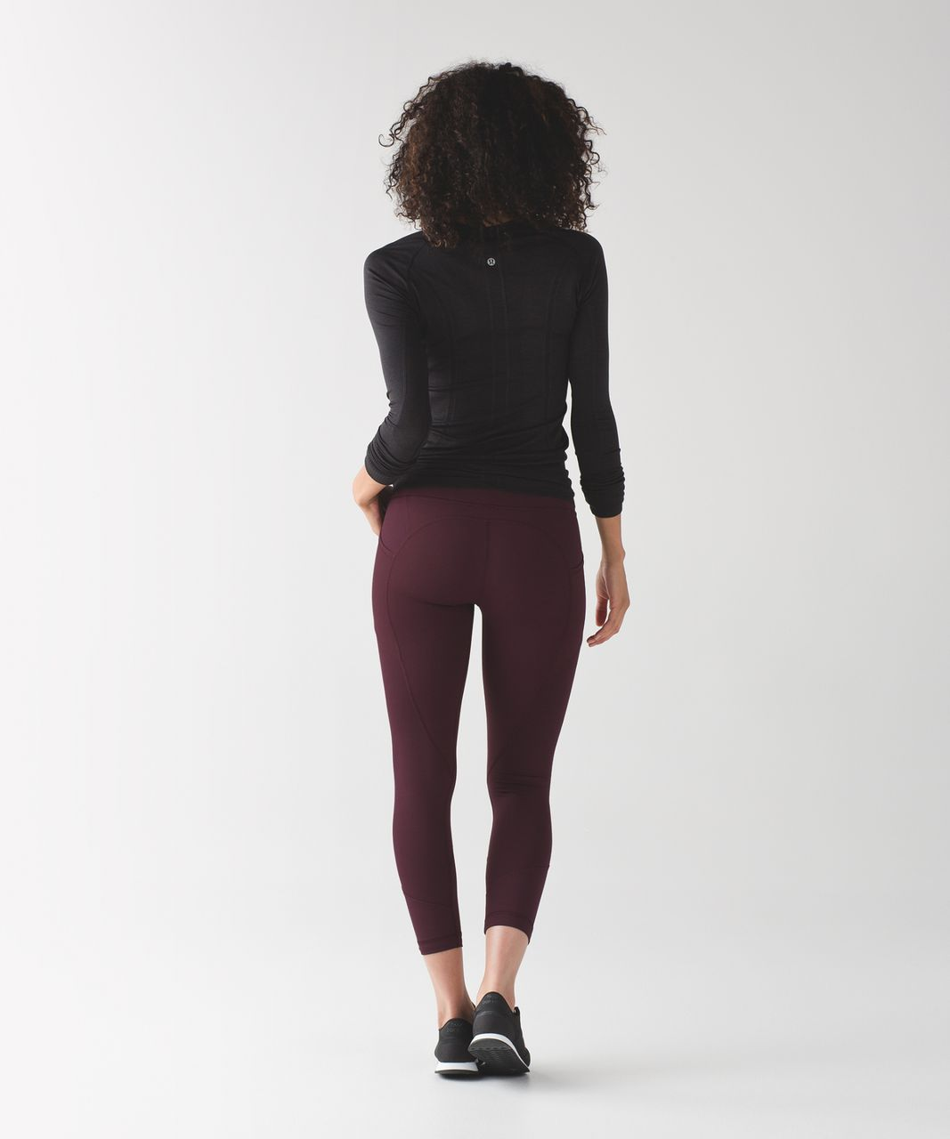 Lululemon All The Right Places Crop II - Bordeaux Drama